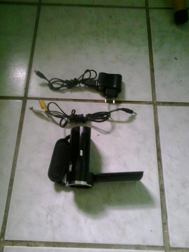 mini filmadora portatil semi nova