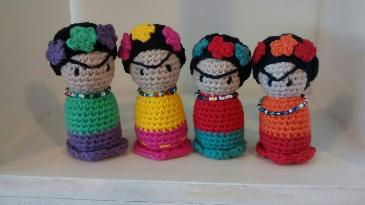 Amigurumi Frida Kahlo : Made for my sister who loves frida kahlo a sewn pillow with