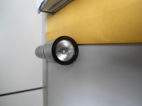 mini lanterna em aluminio.