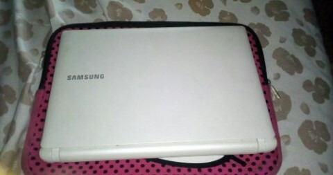 mini lapto samsung n150 plus