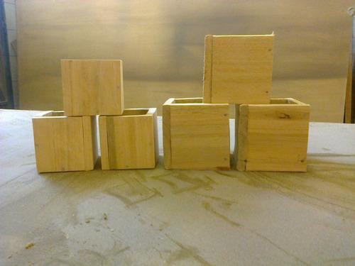 mini maceta madera en crudo lijada 15x15  cm