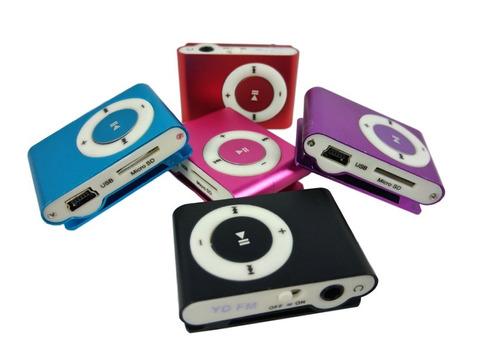 mini mp3 player shuffle clip fm + cabo usb + fone 01 und