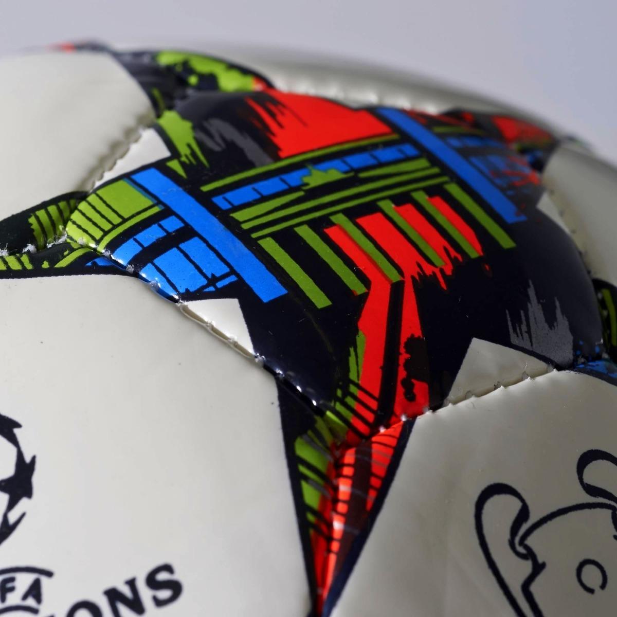 a6de0d010892b mini pelota uefa champions league final berlin 2015 adidas. Cargando zoom.