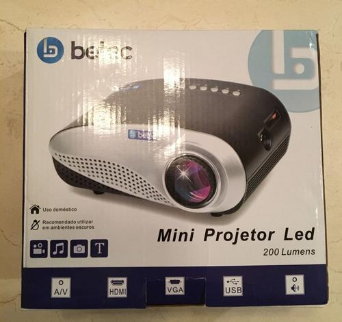 mini projetor de led betec 200 lumens
