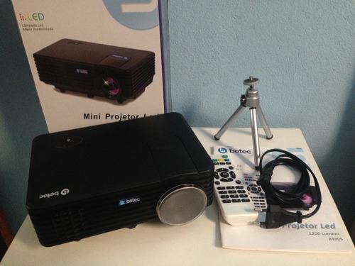 mini projetor led portatil betec - 1200 lumens