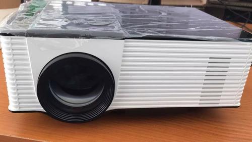 mini proyector con tv usb sd
