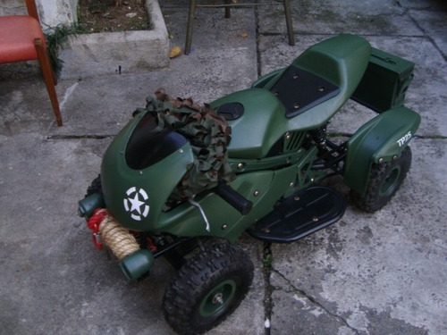 mini-quadriciculo militar
