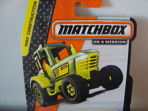mini trator de construcao da matchbox na esc.prov. de 1/64