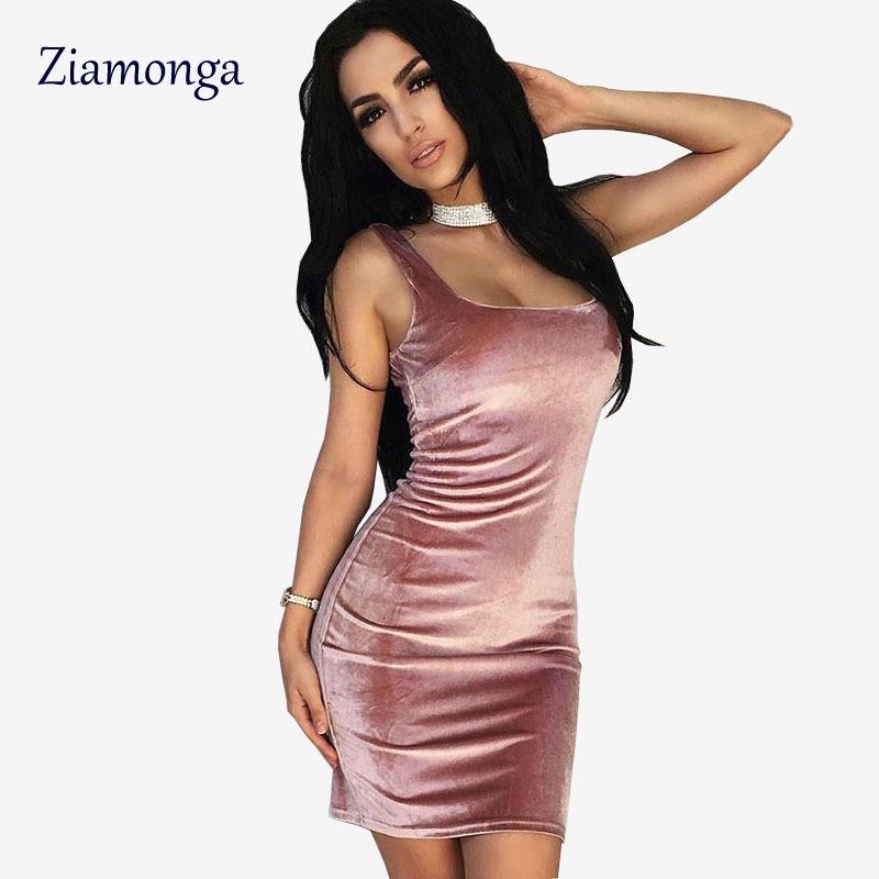 11adf01f6c Mini Vestido Veludo Alcinha 100% Cotton Verão - R  39