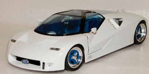 miniatura 1:18 ford gt90