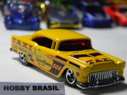 miniatura automóvel 55 chevy tm gm 1:64 hot wheels