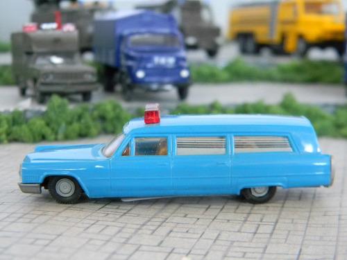 miniatura cadillac ambulancia militar ho 1:87 praliné