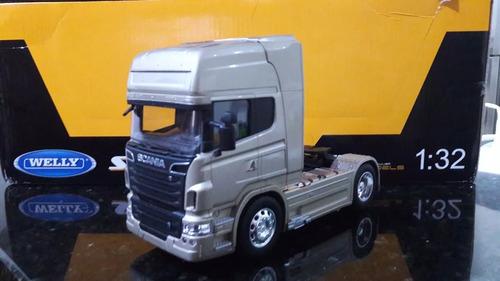 miniatura caminhão scania r730 v8 escala 1/32 ( toco)