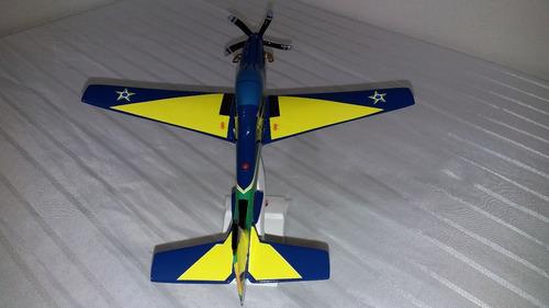 miniatura de avião esquadrilha da fumaça