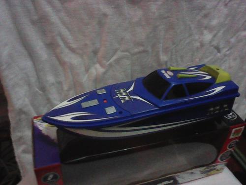 miniatura de barco