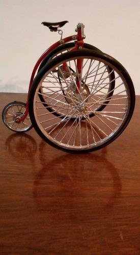 miniatura de bicicleta antiga