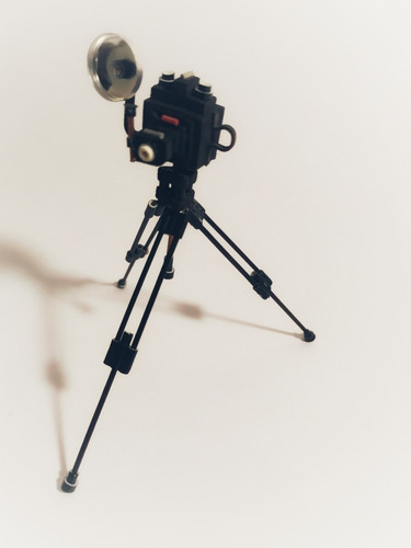miniatura de câmera fotográfica (polaroid antiga)- artesanal