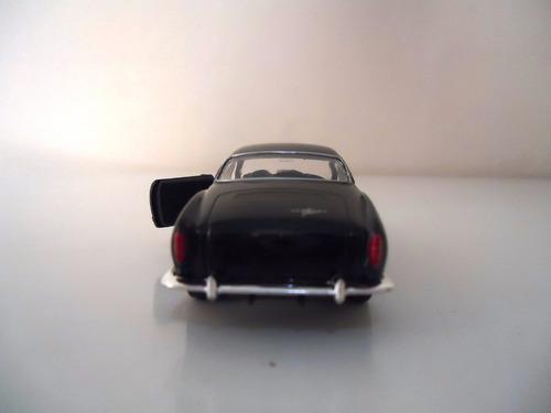 miniatura em metal carro antigo volkswagen karman ghia coupe