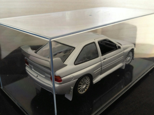 miniatura ford escort cosworth 1:18