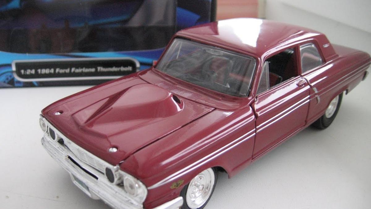 Miniatura Ford Fairlane Thunderbolt 1/24 Maisto31957