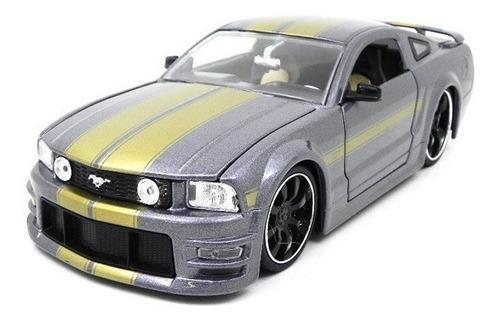 miniatura ford mustang gt 2006 1:24 jada toys cinza metálico