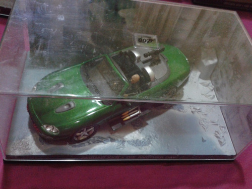 miniatura jaguar xkr - 007 die another day