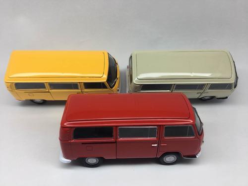 miniatura kombi mede 13 cm , unida branca, amarela, vermelho