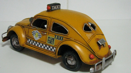 miniatura lata volkswagen fusca taxi