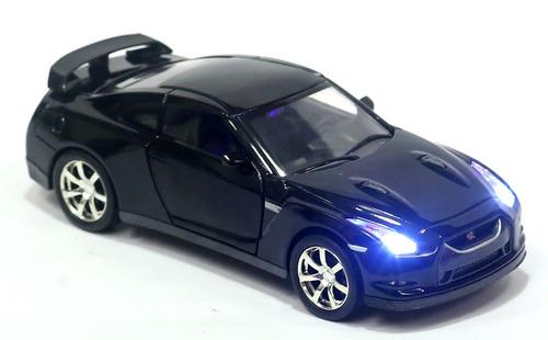 miniatura nissan gt-r com luz e som preto