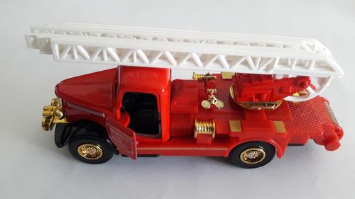 miniaturas de carro  metal  kit com 7 peças  varios modelos