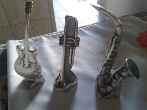 miniaturas de instrumentos musicais em alumínio maciço