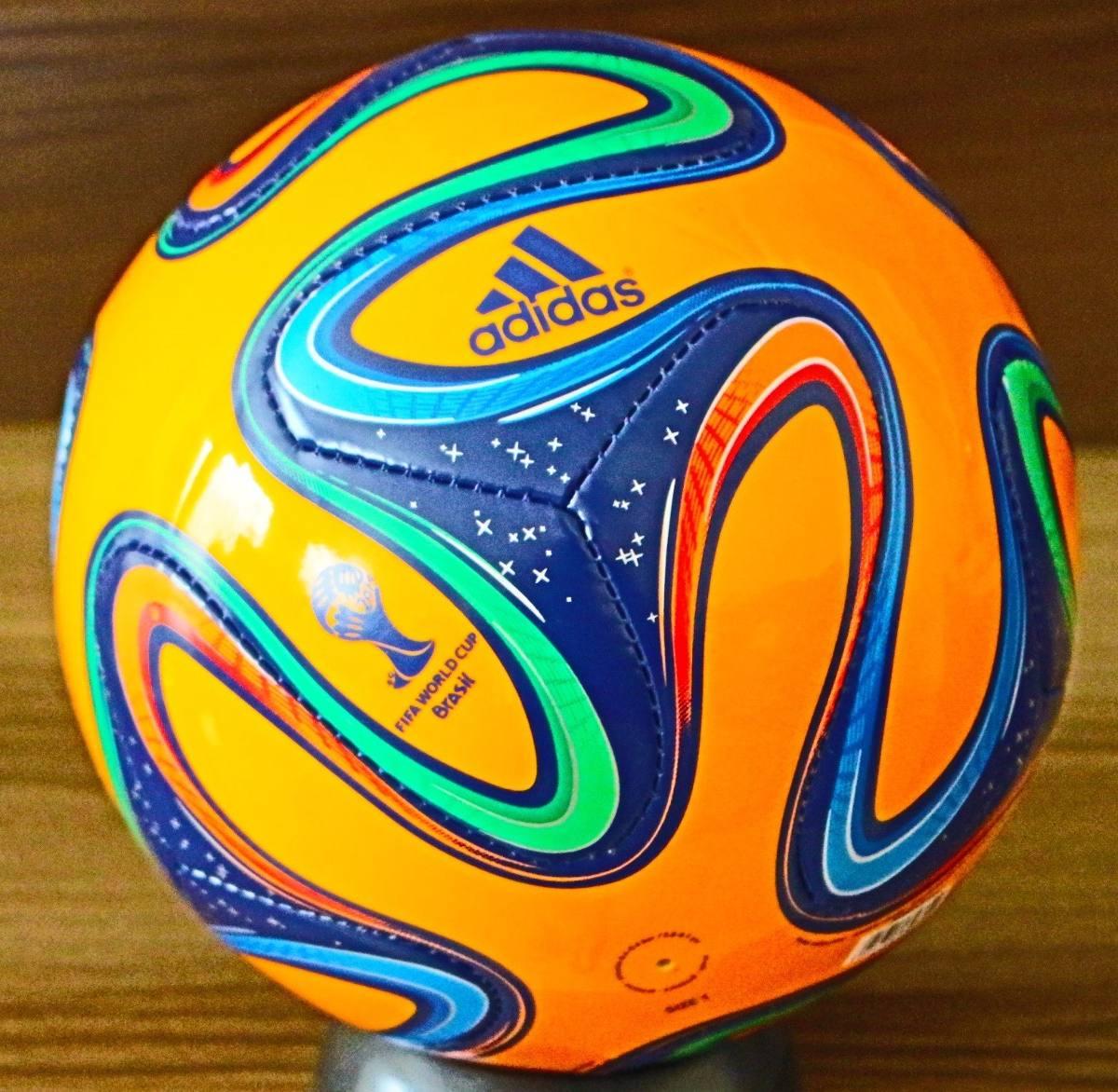 minibola adidas brazuca copa do brasil 2014. Carregando zoom. 9234d0cdd23a4