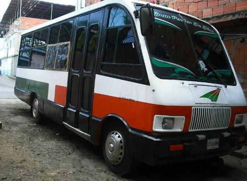 minibus chevrolet