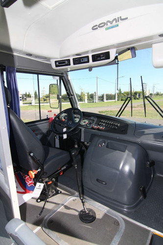 minibus mercedes benz lo 915 - comil