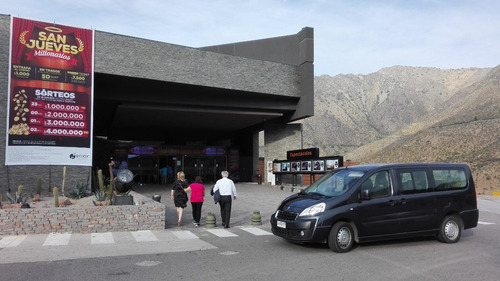 minibus ocho pasajeros para viajes especiales