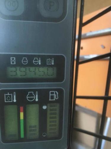minicargadora case sr150