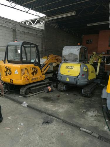 miniexcavadoras wacker y jcb con o sin martillo trabajando