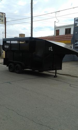 minimetal fabrica trailer para 5 equinos