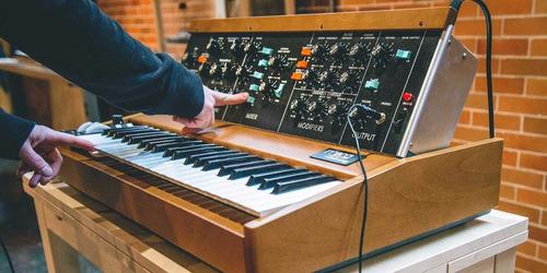 minimoog model d sintetizador análogo clásico moog con midi