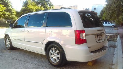 minivan chrysler 2011 full