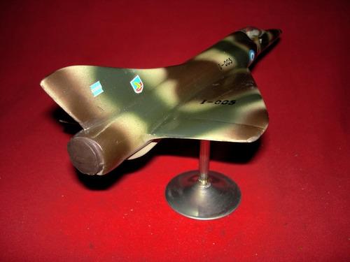 mirage v - dagger - maqueta del cazabombardero de la faa