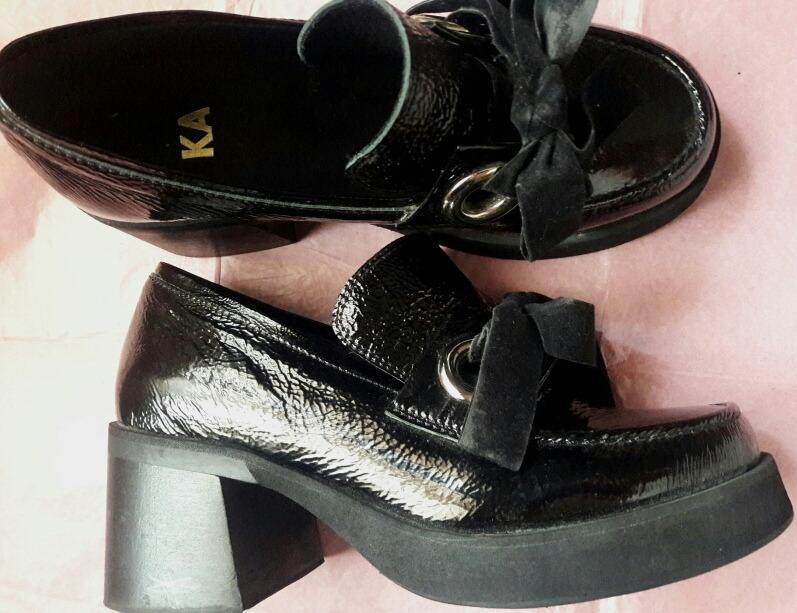 0ede5757b94 Mishka zapato sarkany prune paruolo hush cher jpg 797x613 Sarkany paruolo  charol punta redondo zapatos