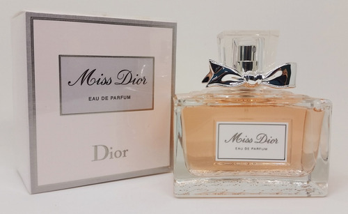 83193a53bc2 Miss Dior Eau De Parfum Nova Versão 2017 100ml Feminino - R  472