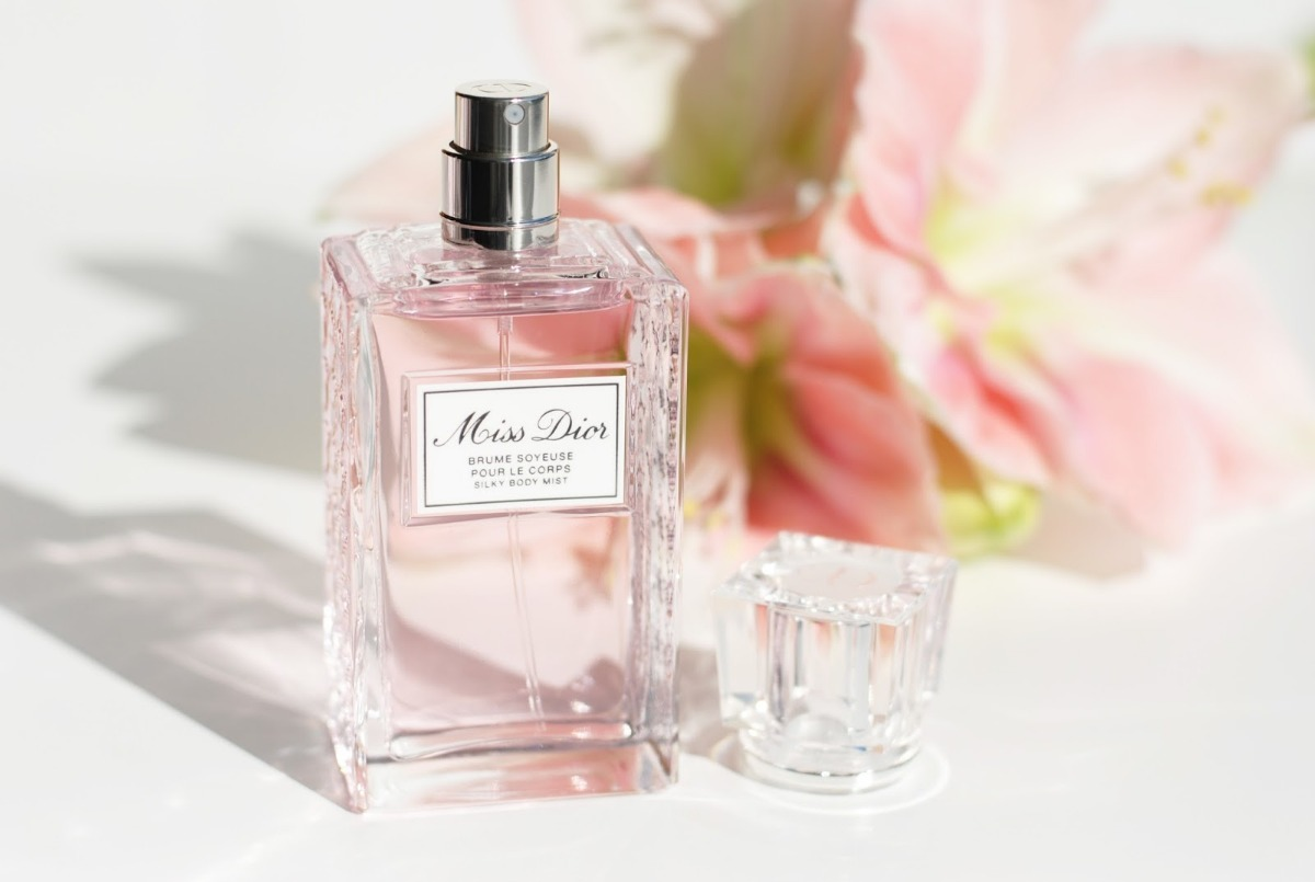 941fde23 Miss Dior Silky Body Mist Dior 100ml - Feminino Original
