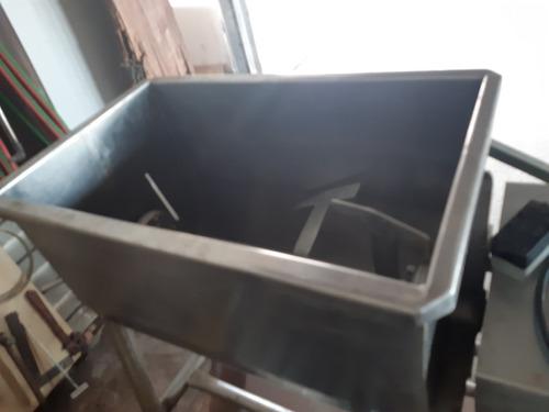 misturador ou batedor de linguiça de 50 kls 4900