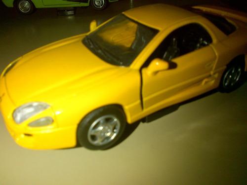 mitsubishi 3000gt  1999 a escala 1:32 marca new ray toys