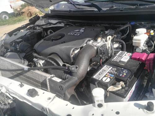 mitsubishi l 200  2016 4 x 4 diesel se vende como unidad