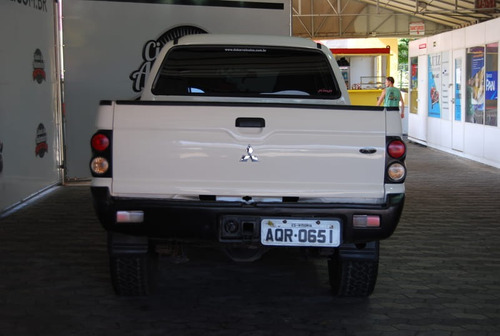 mitsubishi l-200 cd gl 4x4 2.5 turbo 4p   2010
