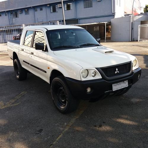 mitsubishi l-200 gl ano 2011