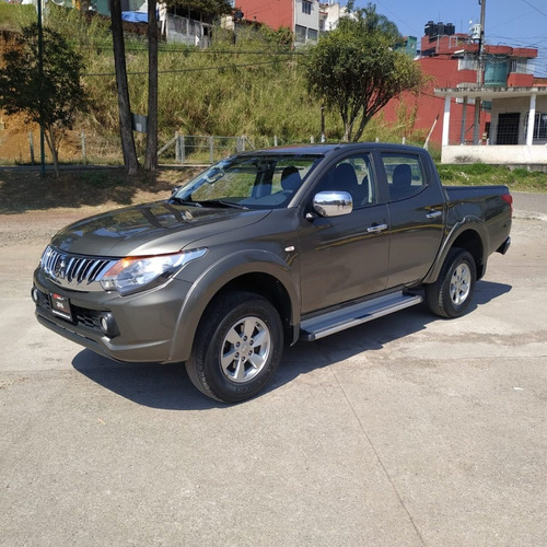 mitsubishi l 200 long box 2.4 manual 2016